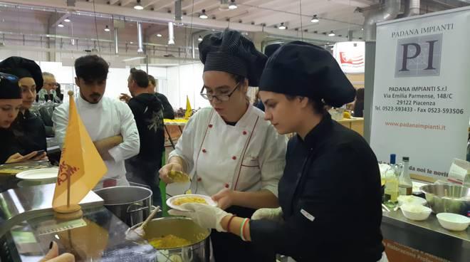 show cooking degli studenti del Raineri Marcora
