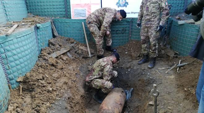 Bomba d'aereo di oltre 200 kg neutralizzata dal Genio Pontieri di Piacenza