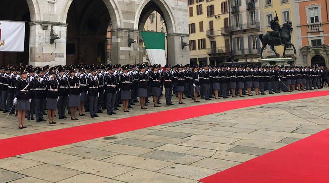 Giuramento allievi agenti in piazza Cavalli