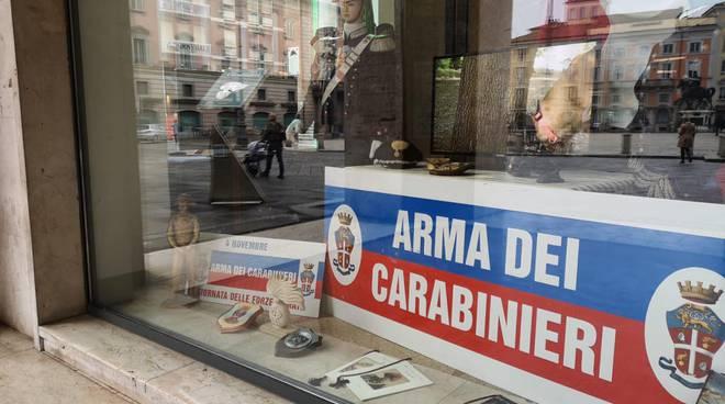 le vetrine dedicate all'Arma dei carabinieri
