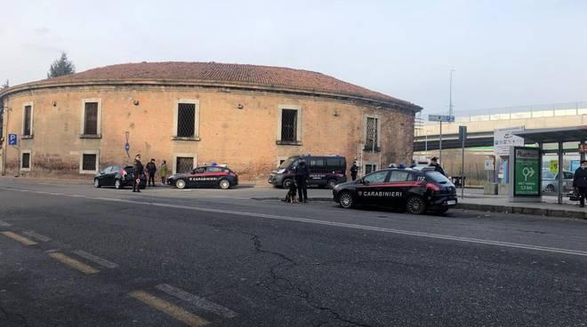 controlli carabinieri barriera Milano