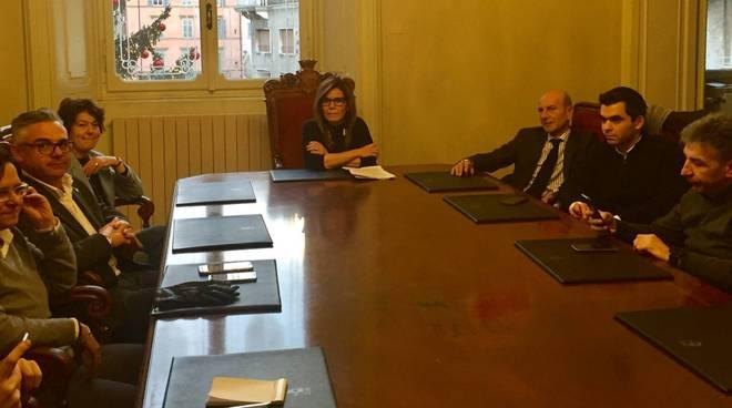 La giunta comunale con il sindaco Barbieri