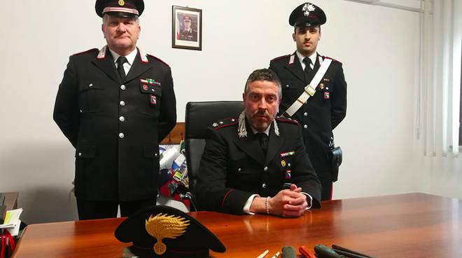 Al centro il comandante della Compagnia di Fiorenzuola Bertoldi