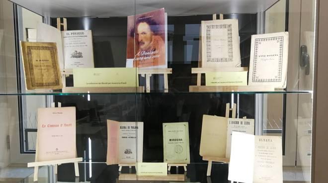 La donazione alla biblioteca del Nicolini