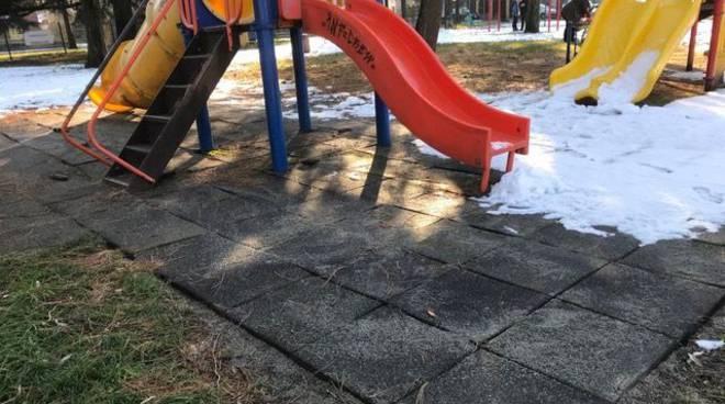 Nuova pavimentazione ai giardini dell'Infrangibile