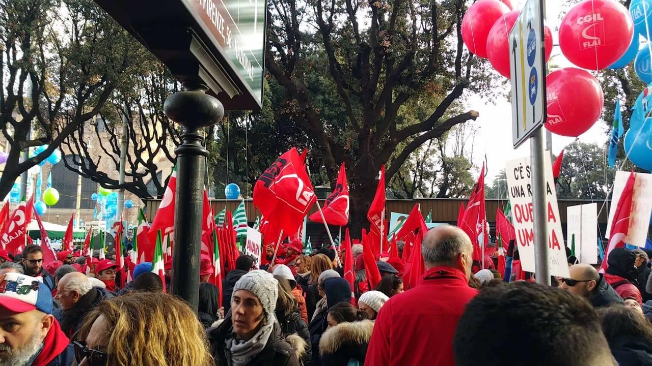 La manifestazione dei sindacati a Roma
