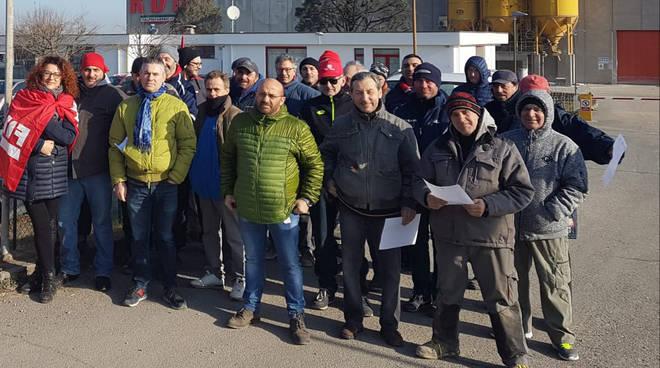 La protesta dei sindacati alla Rdb di Alseno
