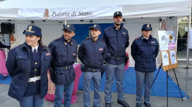 """""""Questo non è amore"""", contro la violenza sulle donne in Piazza San Francesco"""
