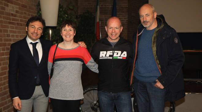 Dawes e Guidetti con Gian Luca Andrina