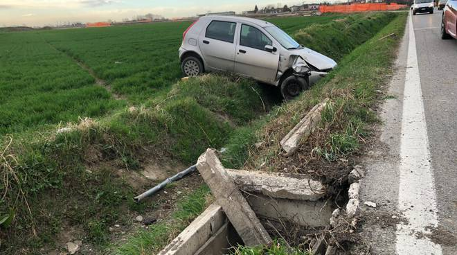 incidente a San Polo auto nel canale