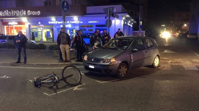 incidente ciclista in via Bolzoni