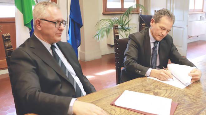 La firma della convenzione tra Ausl e Comune di Cadeo