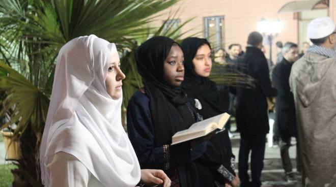 La preghiera e la riflessione alla Comunità Islamica
