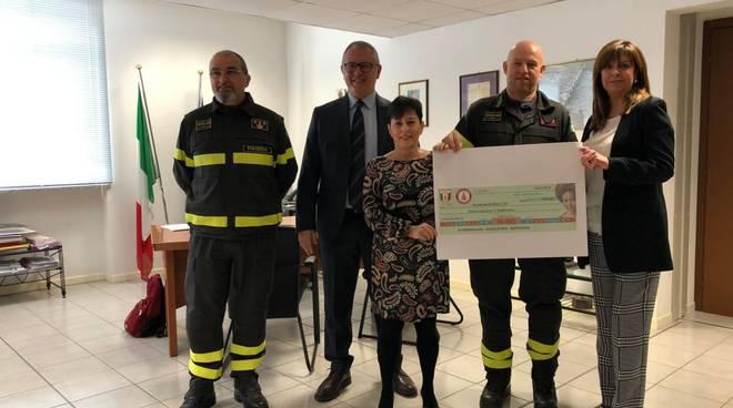 donazione fondi dei vigili del fuoco all'associazione il Pellicano