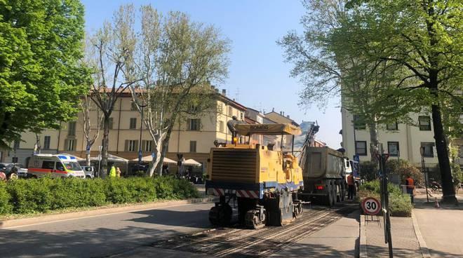 Asfalto in via Genova