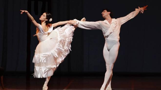 balletto gala di danza al Municipale