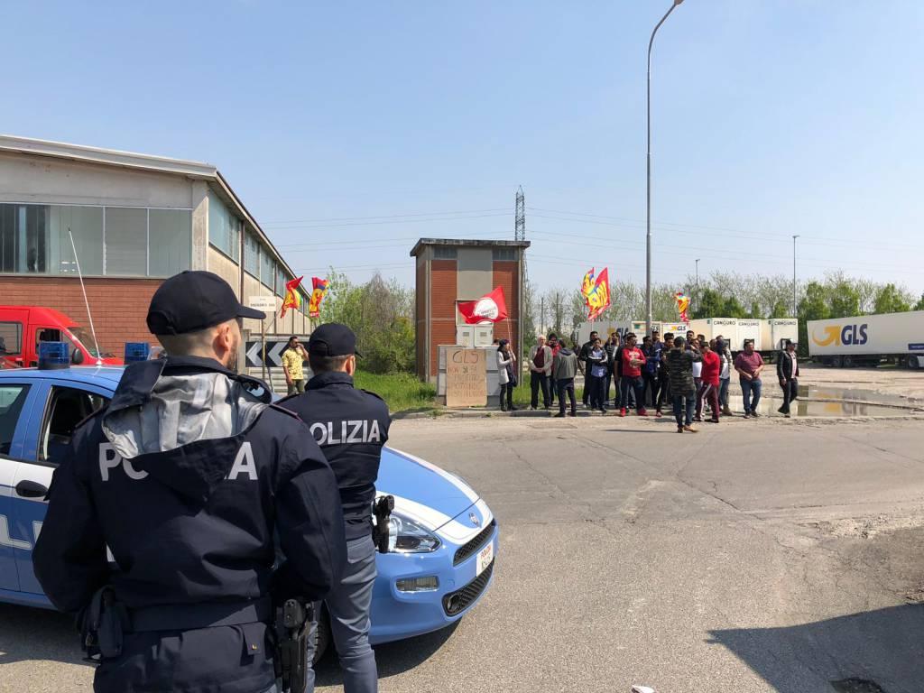 facchini Usb protesta polizia