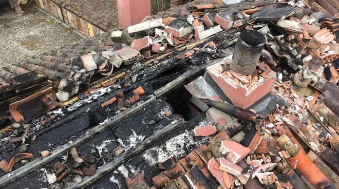 Incendio tetto a Tavernago