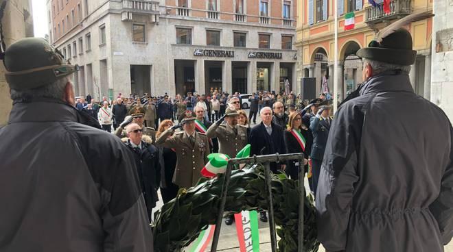 La cerimonia per i caduti e i dispersi delle guerre
