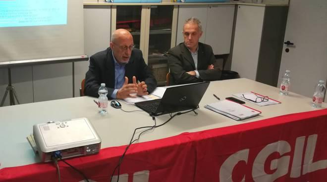 Giuliano Guietti e Gianluca Zillocchi presentano l'Osservatorio sull'economia e il lavoro alla Cgil
