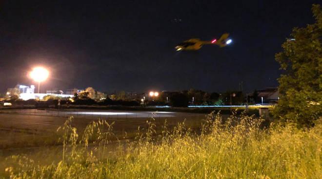 L'intervento dell'elisoccorso notturno