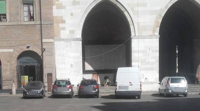 Monumento ai caduti a Palazzo Gotico