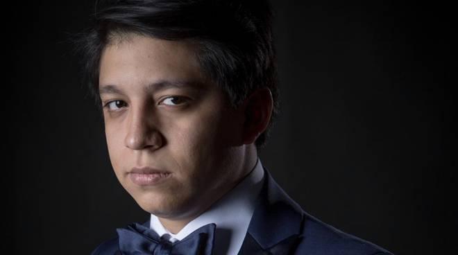 "Ivan Ayon Rivas, Tenore protagonista de ""Il Corsaro"" al Municipale"