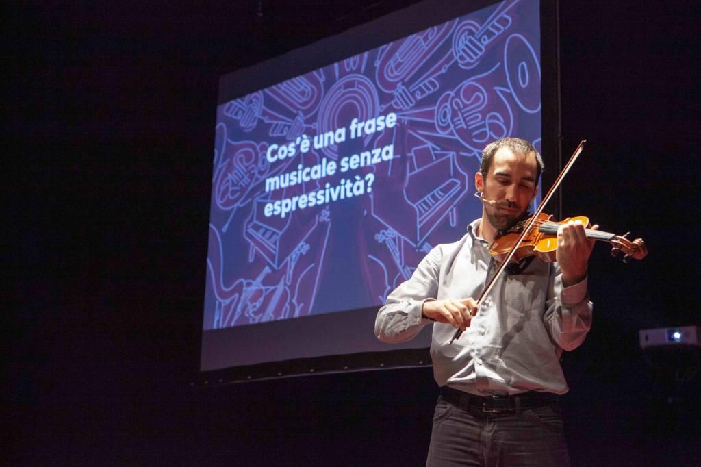 gabriele schiavi tedxpiacenza foto credits: Michele Costa per TEDx Piacenza