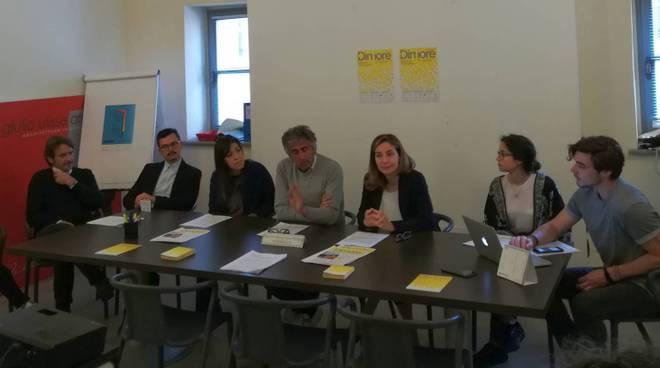 tavolo conferenza di presentazione Dimore Festival