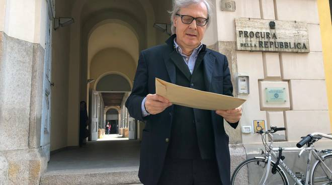 Vittorio Sgarbi in Procura