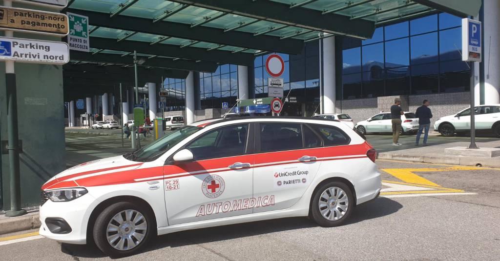 Auto croce rossa Malpensa