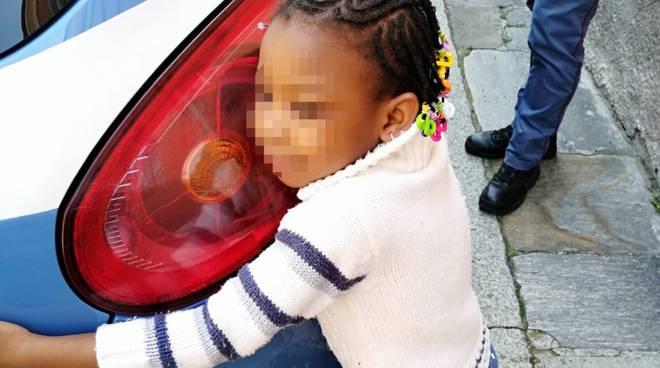 bambina persa polizia
