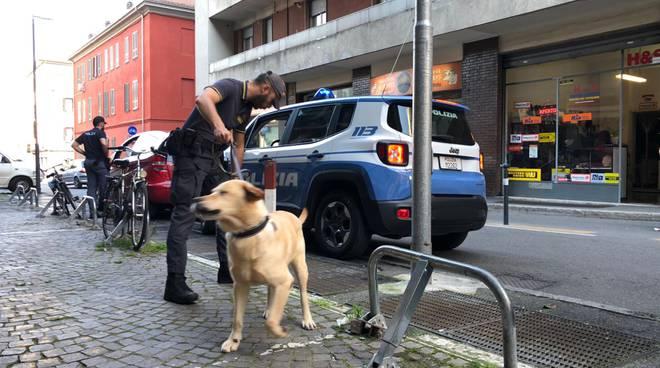 controlli in via Torricella polizia