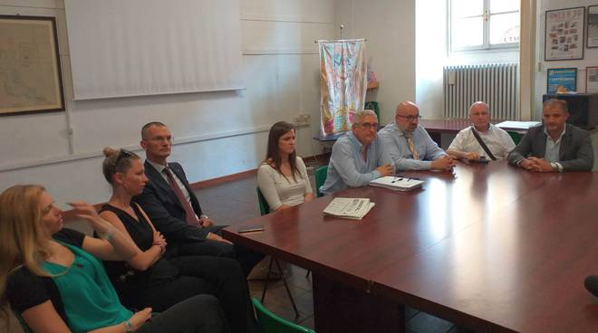 Fratelli d'Italia conferenza caruso