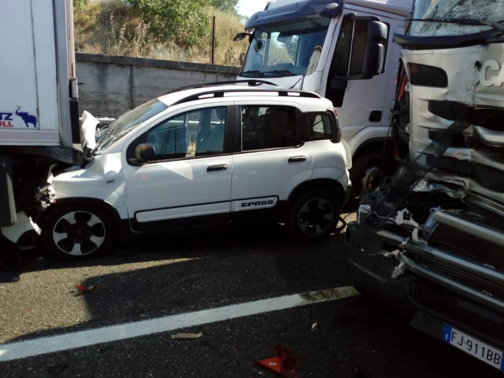 incidente autostrada a Borgotrebbia
