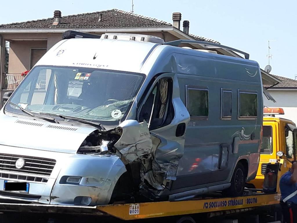 incidente camper a Rivergaro
