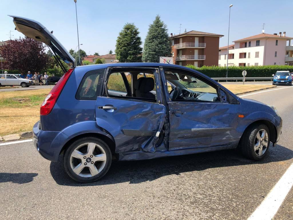 incidente moto e auto statale 45