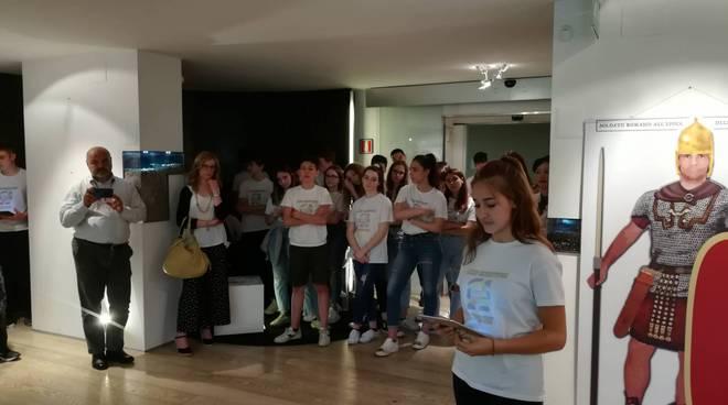 inaugurazione mostra miles romanus in confindustria con gli studenti del respighi