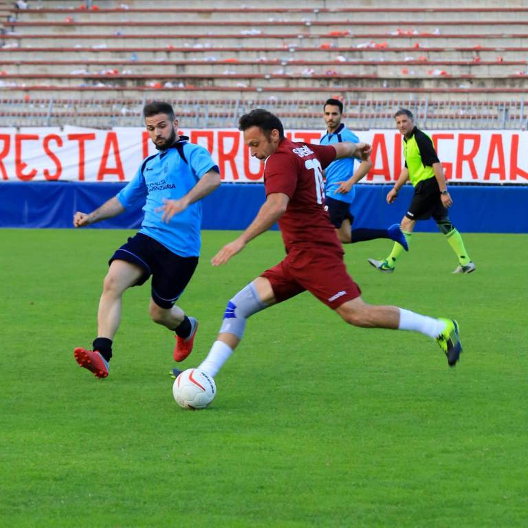 Torneo interforze di solidarietà al Garilli