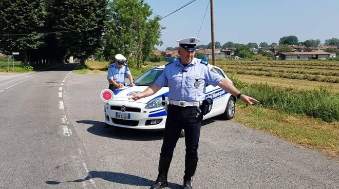 Controlli della polizia municipale a Calendasco