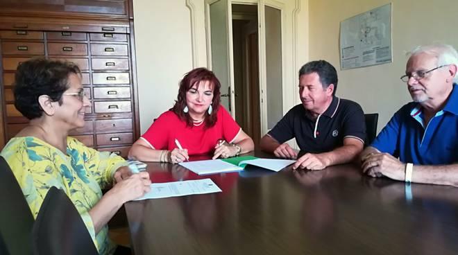 firma Gragnano Calza sindacati