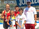 I giovani tennisti della Vittorino insieme al maestro Marcello Griffini