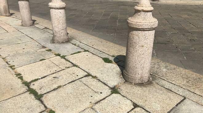 erba in centro storico