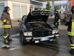 L'intervento dei vigili del fuoco al distributore di benzina