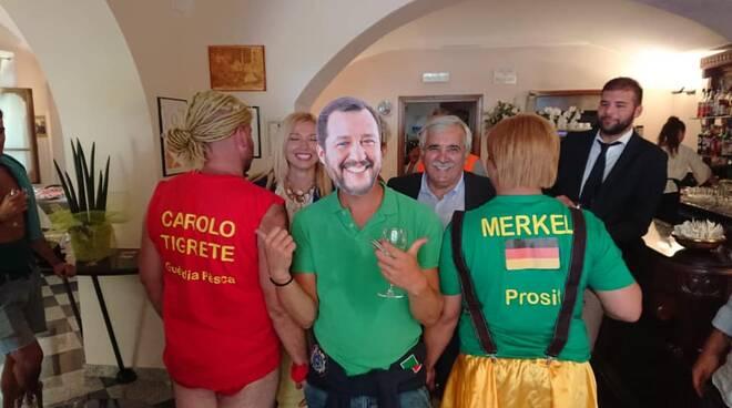 Murelli e Pisani a Bettola con il finto Salvini