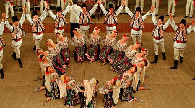 danze moldave