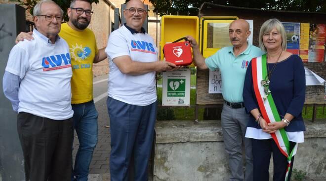 donazione efibrillatore Castesangiovanni