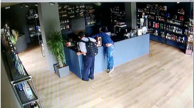furto liquori