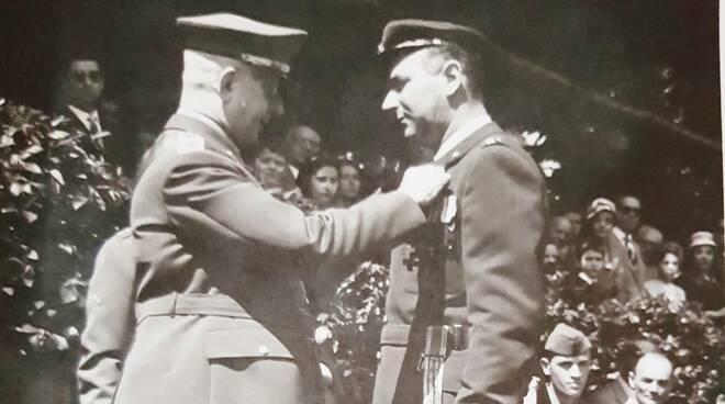 Gorrini decorato con la medaglia d'oro