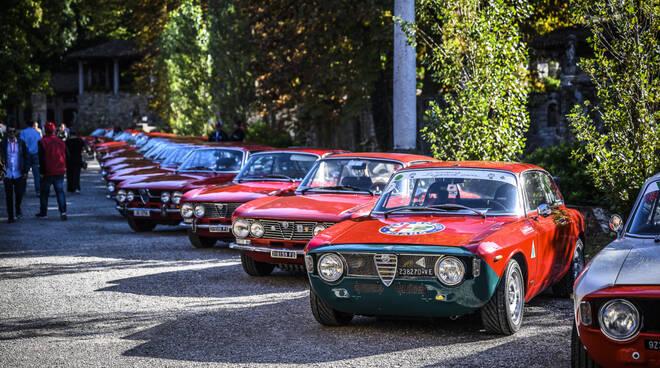 Il raduno dei Biscioni Alfa Romeo a Grazzano Visconti